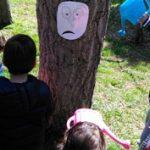 Regando árbol triste